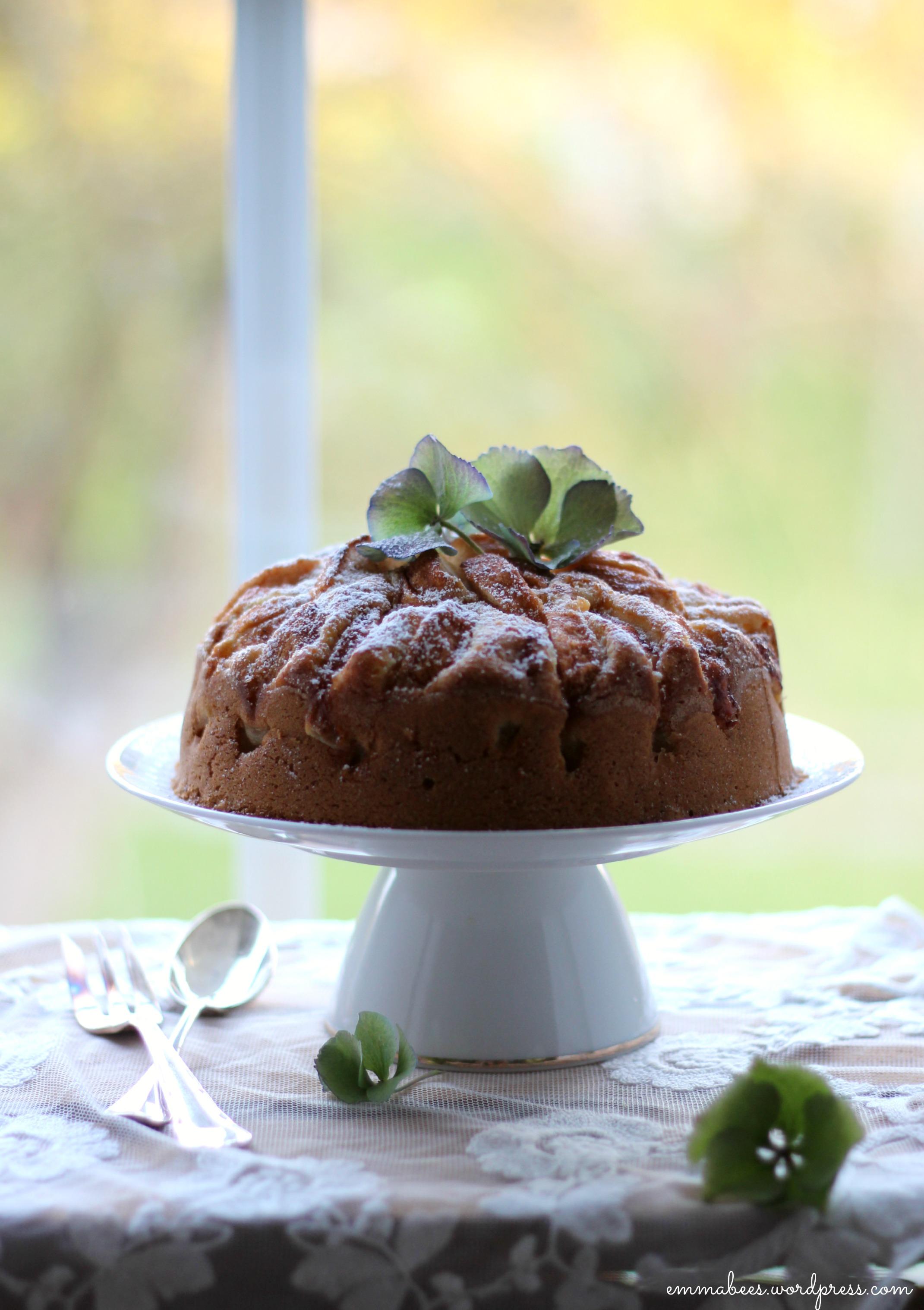 Ab Ins Wochenende Und Dieser Kleine Feine Kuchen Ist Wie Gemacht Dafur Emma Bee