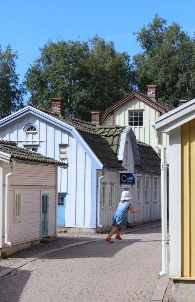 EmmaBee Unterwegs Bullerbü Winzig kleine Stadt