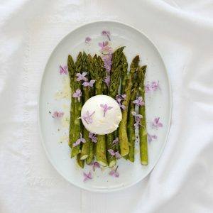 EmmaBee Rezept Spargel Burrata Flieder